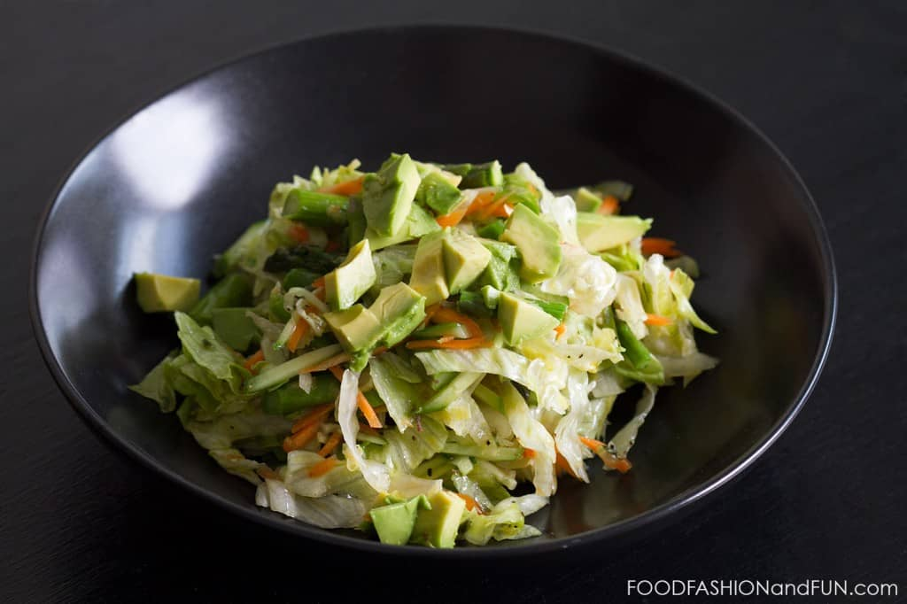 salad, iceberg lettuce, avocado, carrots, chopped, salad dressing, herbs, foodfashionandfun, recipe