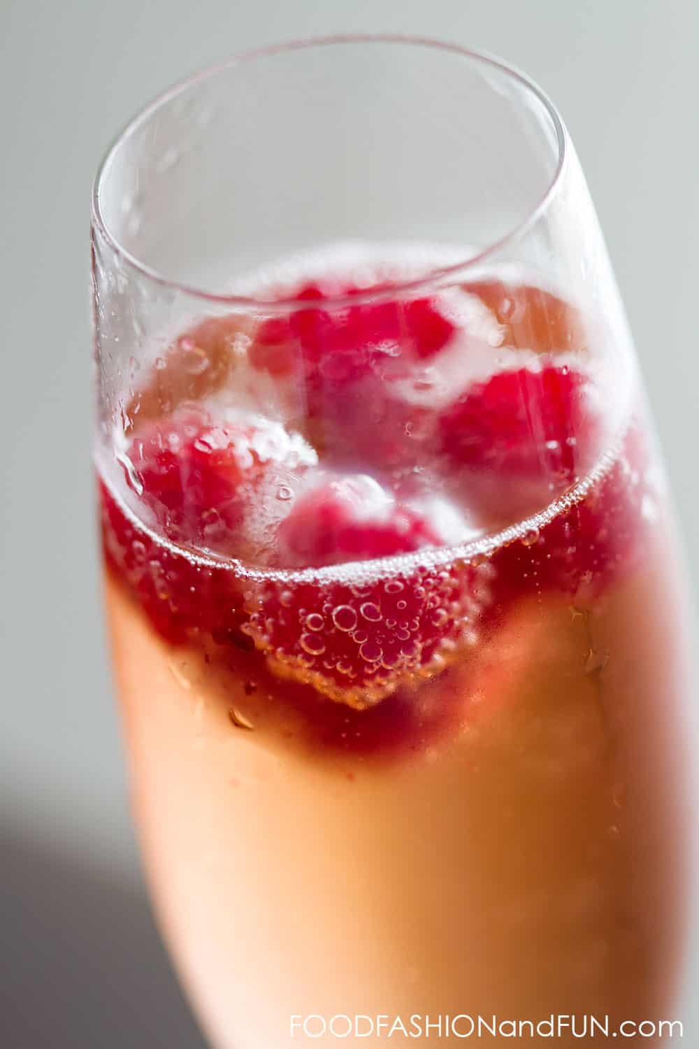 raspberries, rose, champagne, prosecco, sparkling wine, pink, sweet, cocktail, drink, fruit