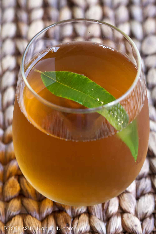 lemon verbana, mint, herbs, tea, sun tea, drink, foodfashionandfun, food blogger, lifestyle blogger