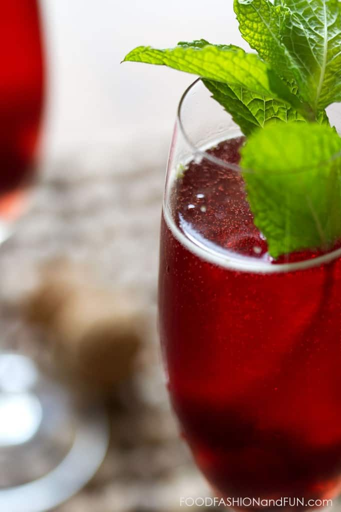 mint, morello cherries, red, champagne, prosecco, drink, cocktail, spritzer, foodfashionandfun, food blogger, lifestyle blogger