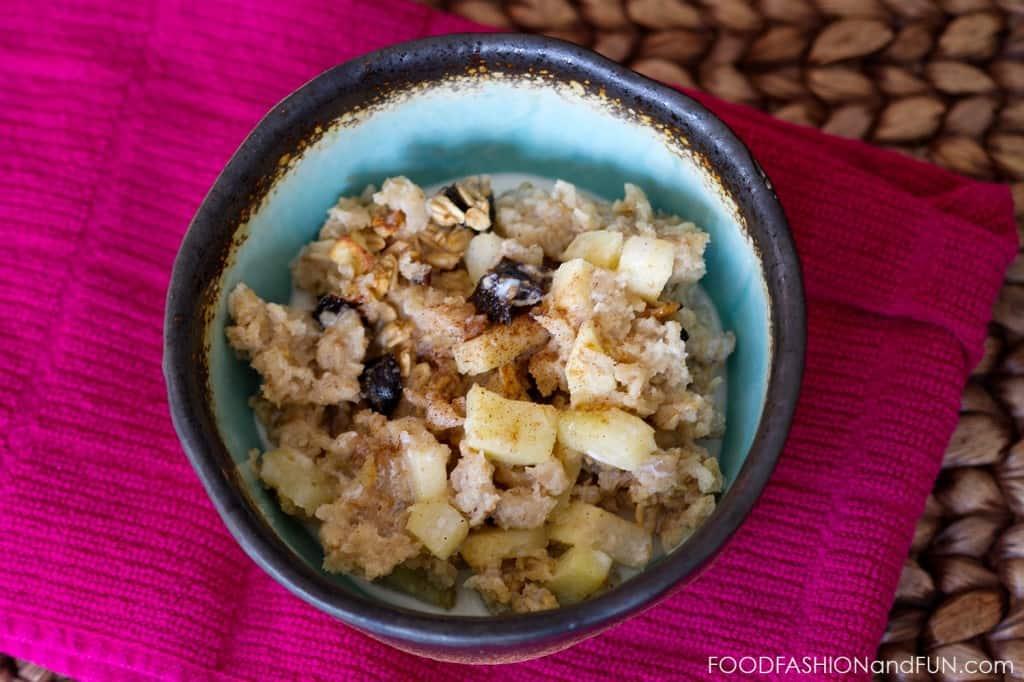 apple, date, oatmeal, cinnamon, breakfast, food, recipe, foodfashionandfun, food blogger, lifestyle blogger