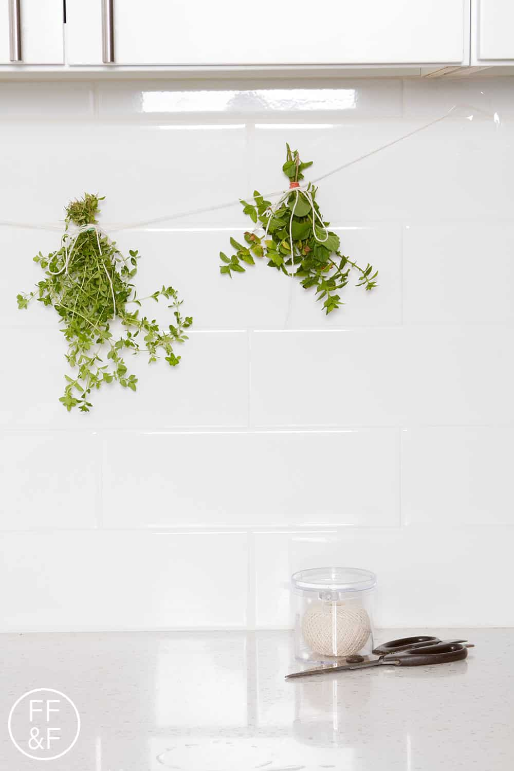 drying herbs, dried herbs, diy, do-it-yourself, lifestyle blog