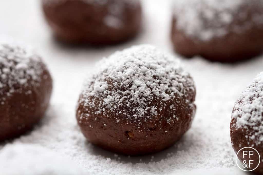 whiskey truffles by foodfashionandfun.com