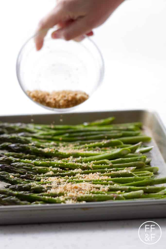 Baked Asparagus with Garlic Breadcrumbs is a side dish that can be made in under 15 minutes. Who doesn't want something that easy and healthy for your dinner table?!?