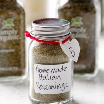 Edible Gift Idea - Make your own custom seasoning blend. Post includes a recipe for Homemade Italian Seasonings