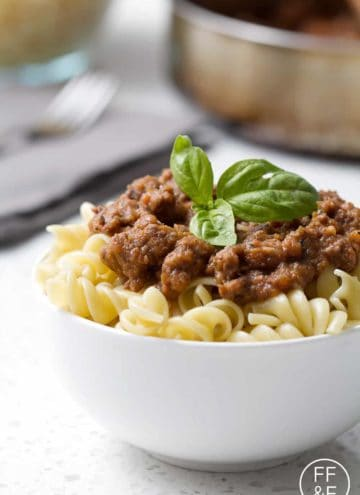 A tomato-less nomato sauce made of fresh veggies mixed with ground beef to create a not-so-classic Nomato Bolonese. This recipe is allergy friendly (gluten, dairy, shellfish, nut, egg, and soy free) and suits the autoimmune protocol diet.