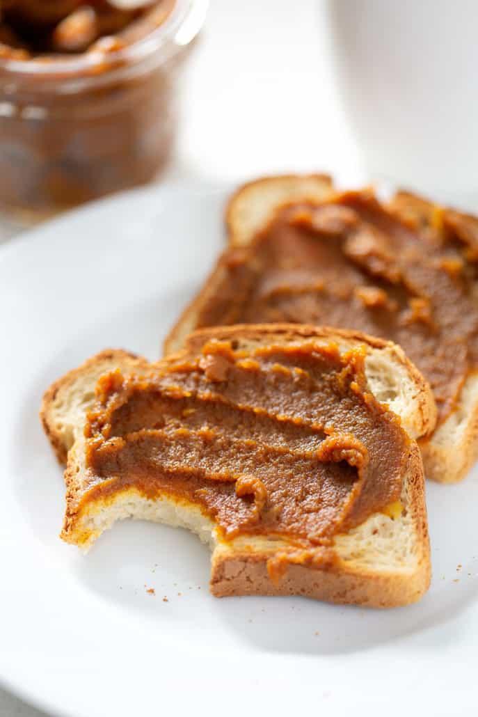 slow cooker pumpkin butter on gluten free toast
