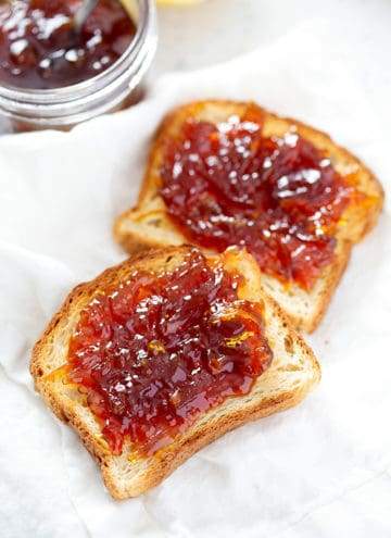 pieces of toast with lemon honey marmamalde
