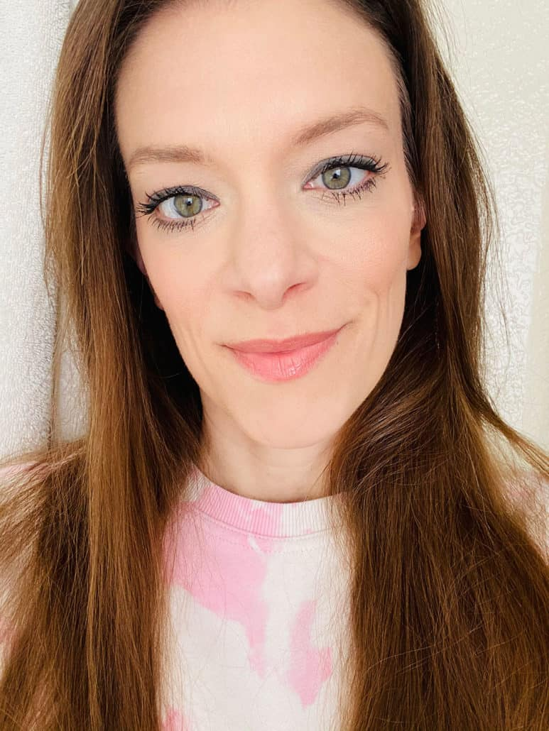 selfie for nontoxic mascara review post